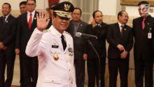 sejarah-baru-nan-unik-di-indonesia-pria-ini-dan-abang-kandungnya-menjadi-gubernur-dalam-satu