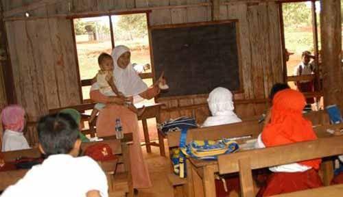 Waduh, Ternyata Provinsi Riau Kelebihan 2.563 Guru