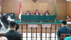 Tanpa Keterangan, Perwakilan Presiden Jokowi Tak Hadiri Sidang Perdana Gugatan Asap Riau