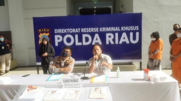 Simpanan Rp1,3 Miliar Milik Nasabah Bank Riau Kepri Dicuri Orang Dalam