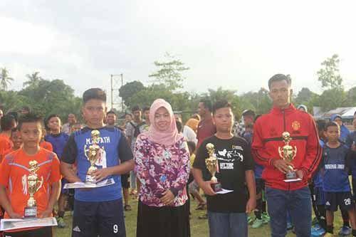 Perseta Junior Tanjungpauh U-12 Juarai Turnamen Sepak Bola Muaralembu Cup I setelah Singkirkan Tim Tuan Rumah