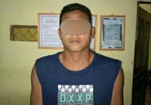 Pencuri HP Tetangga Ditangkap Polisi saat Kongkow di Warung Dusun Pasarbaru Inhil