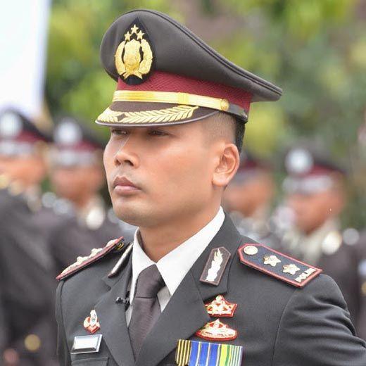 Mengenal Lebih Dekat AKBP Dasuki Herlambang, Kapolres Kuantan Singingi yang Rela Jualan Rujak dan Pecel demi Bantu Orang Tua
