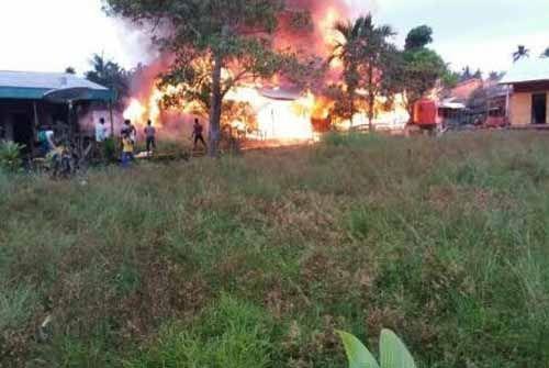 Ditinggal Pemilik, Sebuah Rumah di Dusun Harapanjaya Pelangiran Inhil Terbakar di Pagi Hari