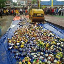 pagi-hancurkan-ribuan-botol-miras-malam-tepat-pukul-0000-wib-polisi-bergerak-ke-seluruh-tempat